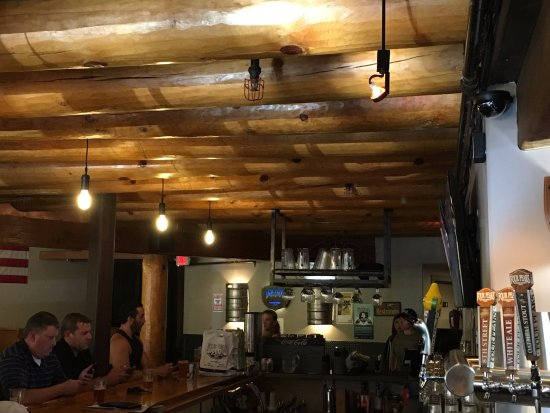 Four Peaks Grill & Tap: great decor
