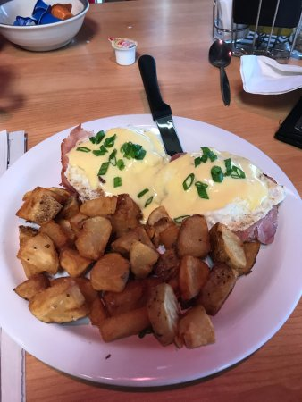 Delaware, OH: My Eggs Benedict and potatoes