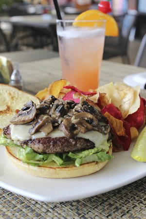 Longview, TX: Chef Lunch Special - Mushroom Swiss Angus Burger
