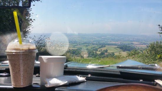 Honiton, UK: Grabbed a picnic taster plate take away and went up to East Hill strips to enjoy a lovely lunch