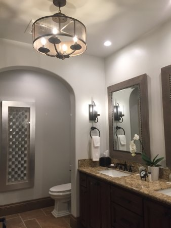 Plymouth, Californien: Spa-Like Details