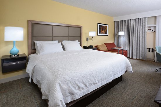 Cornelius, NC: King Room