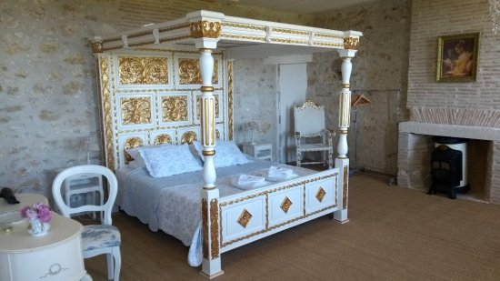 Saint-Aubin-de-Cadelech, França: Fantastic bedroom