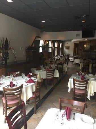 Morristown, NJ: Dining room