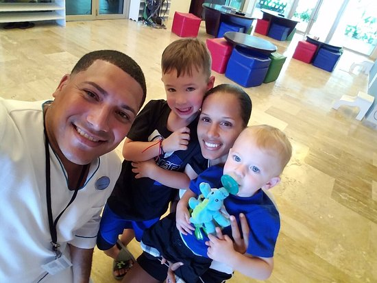 The Reserve at Paradisus Palma Real: Alexander (conceirge) & Sam(kids club) with our kids