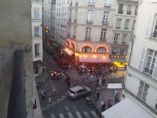 Hôtel La Louisiane : Looking out the window