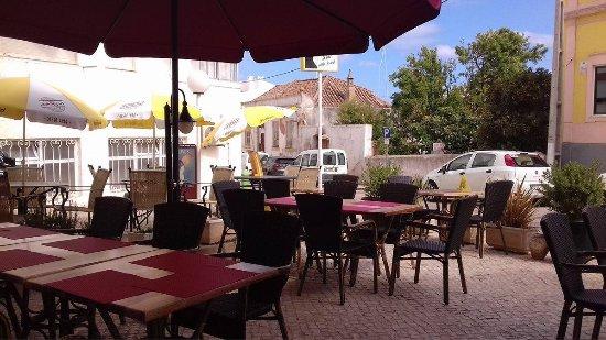 Luz, Portugal: Local acolhedor na esplanada