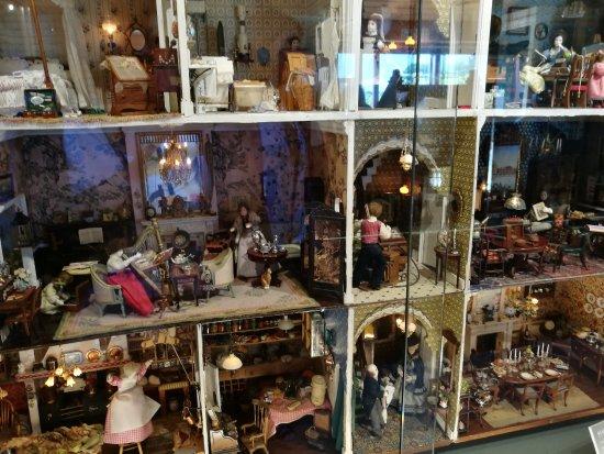 Ripon, UK: Doll's house