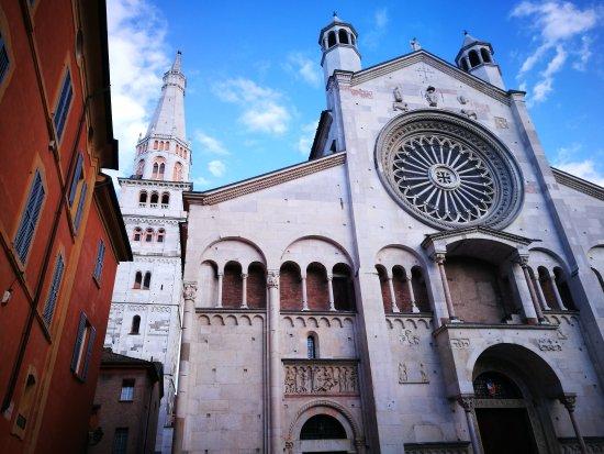 摩德纳主教座堂