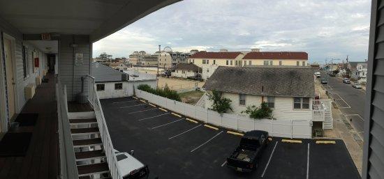 Sunset Motel: 3rd Floor Balcony View