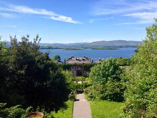 ‪‪Bantry House & Garden‬: The view from the garden‬