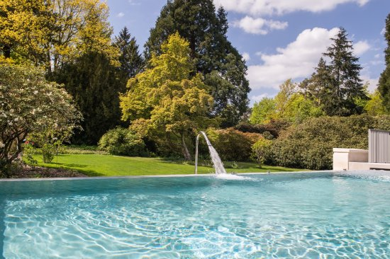 Rudding Park Hotel: Hydrotherapy Pool on Roof Top Spa