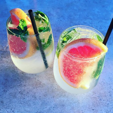 Cobourg, Canadá: Grapefruit Mojito Hard Quenchers