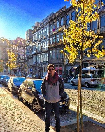Moov Hotel Porto Centro: Foto tirado no centro de Porto perto da estação.