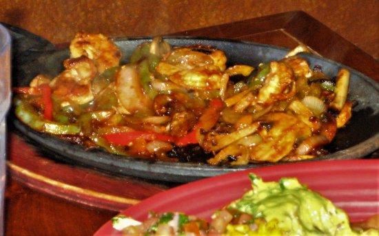 Rancho Rustico: Fajita burrito and Camarones en mojo de ajo