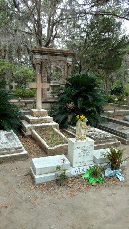 All About Savannah Tours: Bonaventure Cemetery (Johnny Mercer Family)