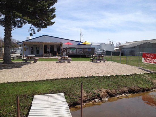 Two Rivers, WI: Beach in the Bear Garden