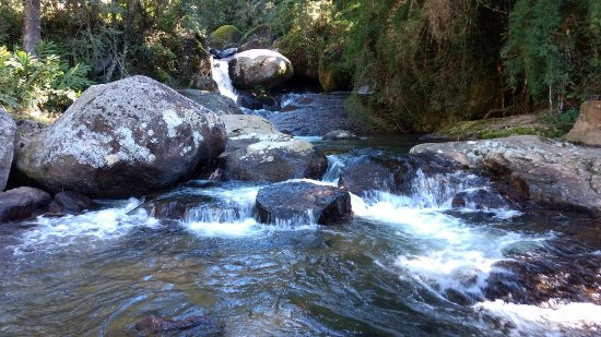 Goncalves, MG: Cachoeira