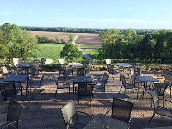 Marthasville, MO : Patios overlooking the Missouri River Bottom