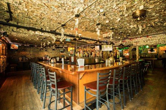 Wakefield, RI: Tavern Bar