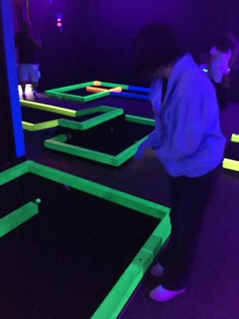 Blaine, MN: Glow in one mini Golf