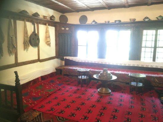 Ethnographic Museum (Muzeu Etnologjik): Guest Room
