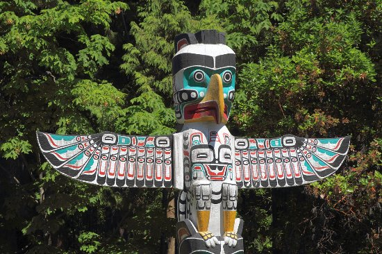 Brockton Point Totem Pole: Thunderbird On The THUNDERBIRD HOUSE POST