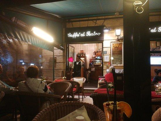 Mogliano Veneto, Italia: Caffe exterior