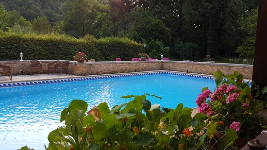 Le Relais du Touron : Lovely pool