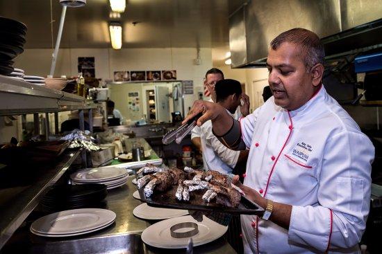 Mount Wellington, New Zealand: Enjoy mouth watering Buffet, A La Carte and high tea at Wellingtons Restaurant