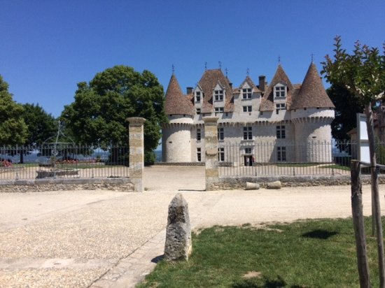Monbazillac, Frankrike: The path to the chateau