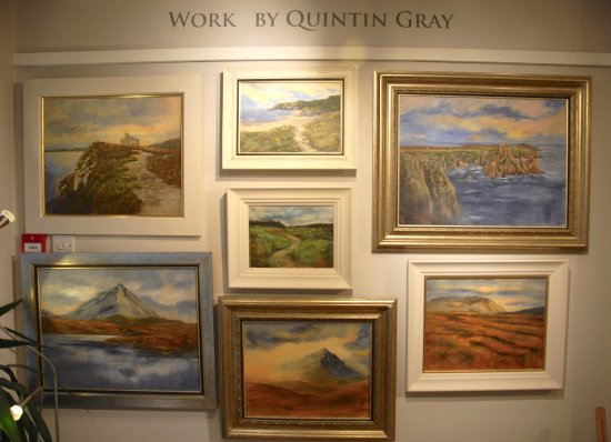 Dunfanaghy, Irlanda: SA Artist Quintin Gray, came here for a year with his young family on a work away trip. And forb