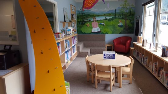 Chase, Kanada: Travelling with little ones? We have a  great selection and a delightful space to enjoy!