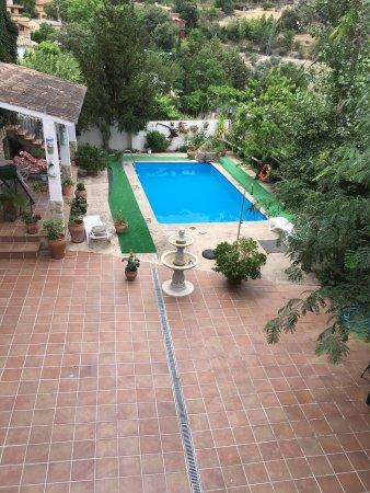 Burunchel, Spagna: Vista de la piscina con unas vistas espectáculares