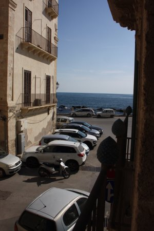 Algila Ortigia Charme Hotel: Early in the day, view of the sea.