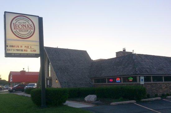 Elk Grove Village, Ιλινόις: front of Leona's Italian Restaurant & Pizzeria