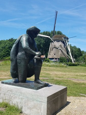 Mike's Bike Tours & Rentals: Rembrandt Statue near Windmill