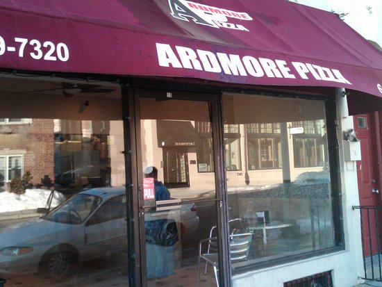 Ardmore, Pensilvania: outside storefront