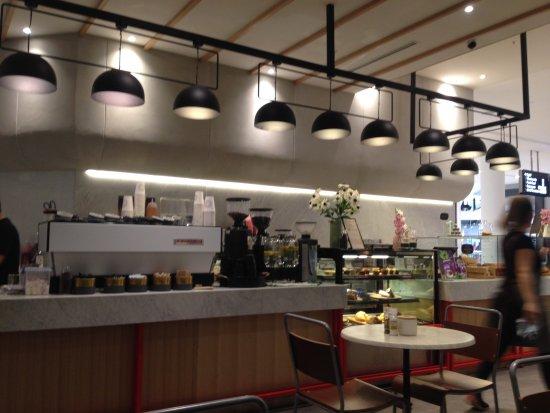 Brookvale, Australien: Cafe bar area