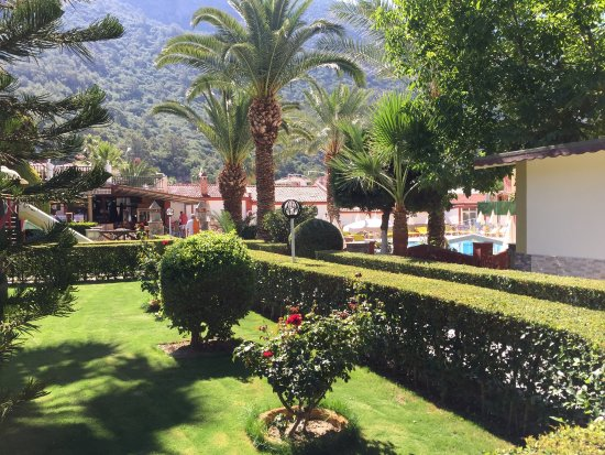 Hotel Karbel Sun: Nice garden view in the middle of the Karbel Sun