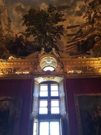 Palazzo Pitti: One of the rooms used by the Grand Duke.