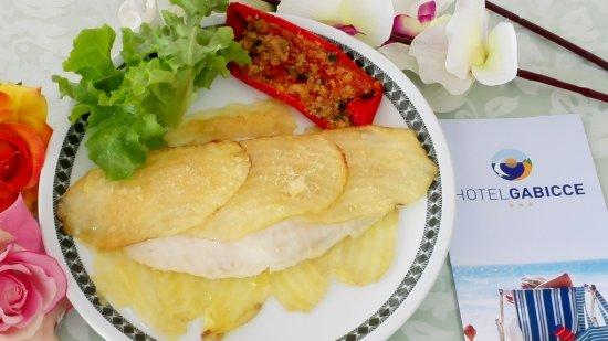 Hotel Gabicce: Filetto di cernia in crosta di patate