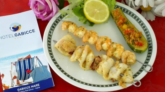 Hotel Gabicce: Spiedini di pesce