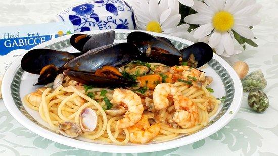 Hotel Gabicce: Spaghetti allo scoglio con cozze, vongole e gamberetti!