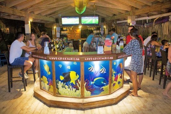 Paradise Beach Hotel : Cayuco Beach Bar at night a great place to enjoy the sunsets. Enjoy a Rum-punch or a   MonkeyLaL