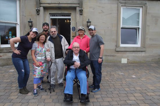 Braidmead House : The kindest and warmest host! You truly made our trip to Irvine extraordinary!