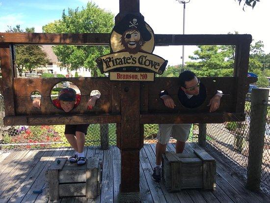 Branson, MO: Pirates Cove