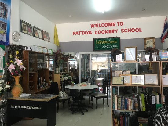 ‪Pattaya Cookery School‬