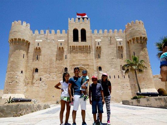 en la fortaleza de alejandria ギザ guia de turismo en egiptoの