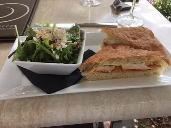 Lake Breeze Winery Patio Restaurant: Perfect lunch! pared with Lake Breeze Pinot Grigo